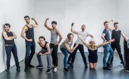 Jan Rogler, Christian Fröhlich (Hermann), Nikko Forteza, John Baldoz, Samuel Türksoy, Pablo Martinez Garcia, Lucy Scherer (Heike), Matti Reiser (Peter) und Nico Stank